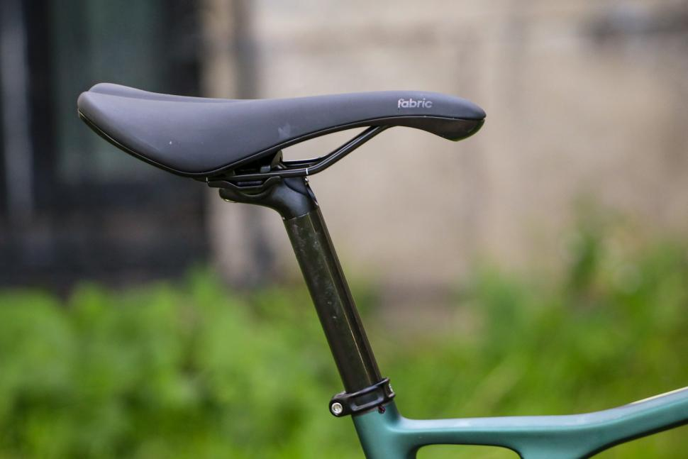 GT Grade Carbon Expert - saddle and post.jpg
