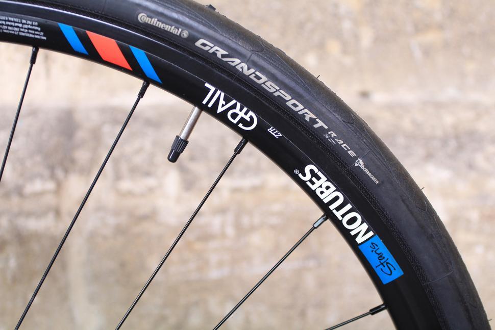 GT Grade - rim and tyre.jpg