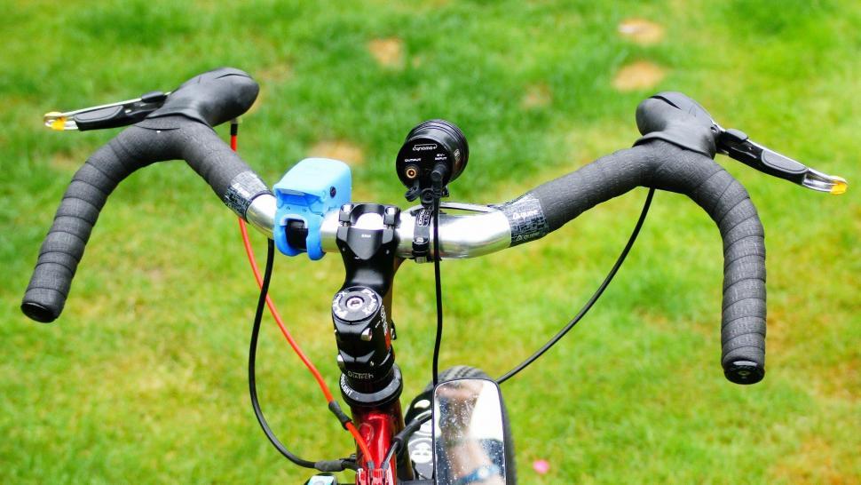 Guee Silicone Bartape - on bike.jpg
