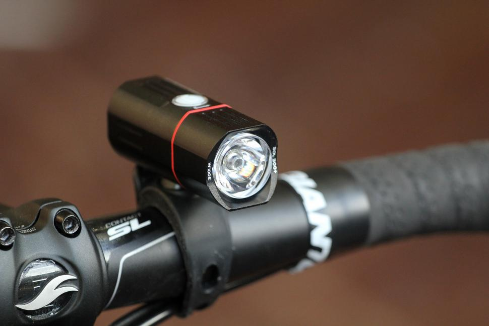Guee Sol 300 Plus Front Light - front.jpg
