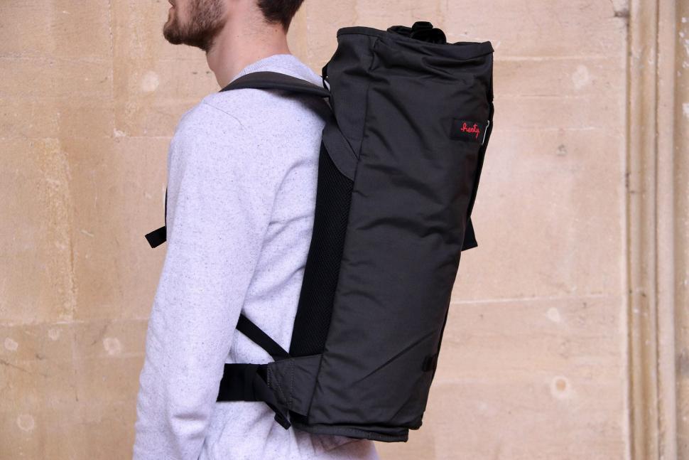 e46f42f9326433 Review: Henty Wingman Backpack | road.cc