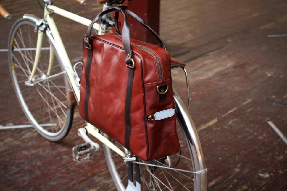 Hill & Ellis Duke Bike Bag - on bike end.jpg