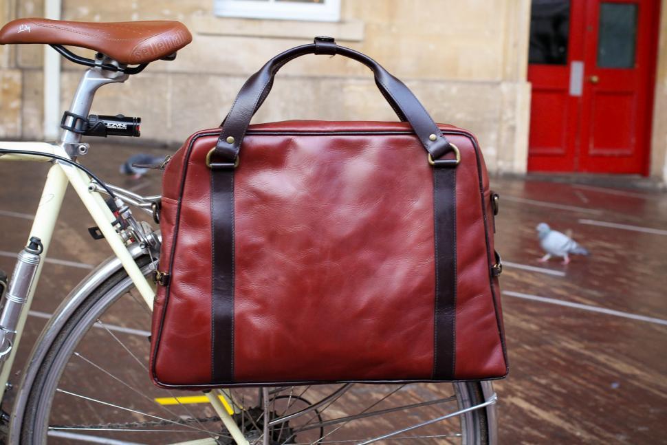Hill & Ellis Duke Bike Bag - on bike.jpg