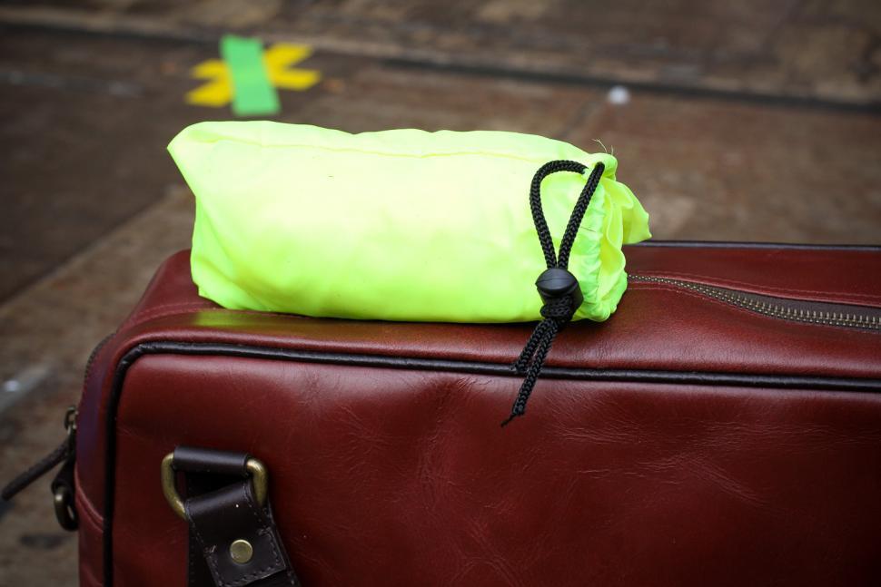 Hill & Ellis Duke Bike Bag - waterproof cover.jpg