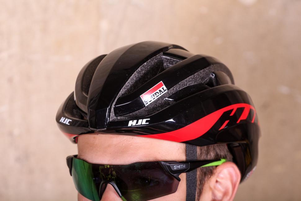 hjc_ibex_lotto_soudal_edition_helmet_-_front.jpg