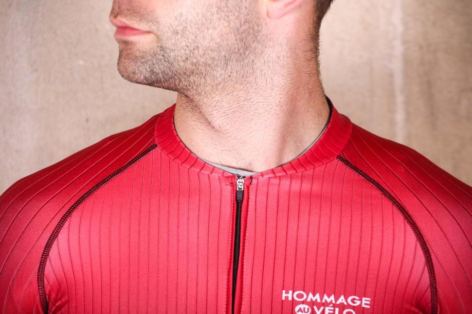 hommage_au_velo_bourlon_jersey_red_-_collar.jpg
