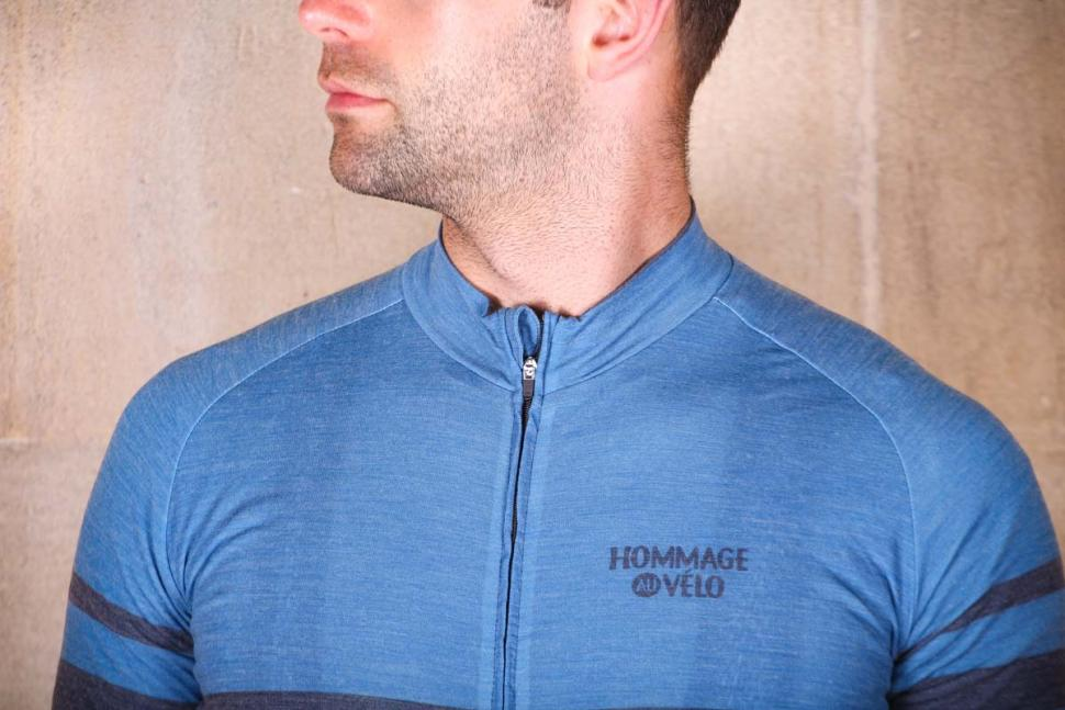 hommage_au_velo_poli_blue_shetland_merino_jersey_-_collar.jpg