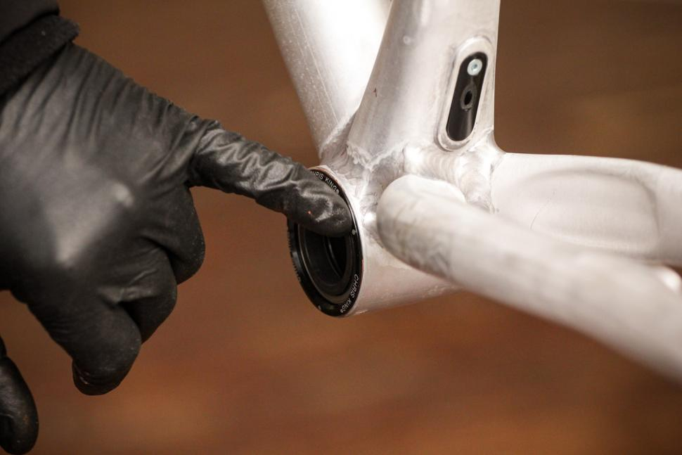 How to fit a Chris King bottom bracket 10