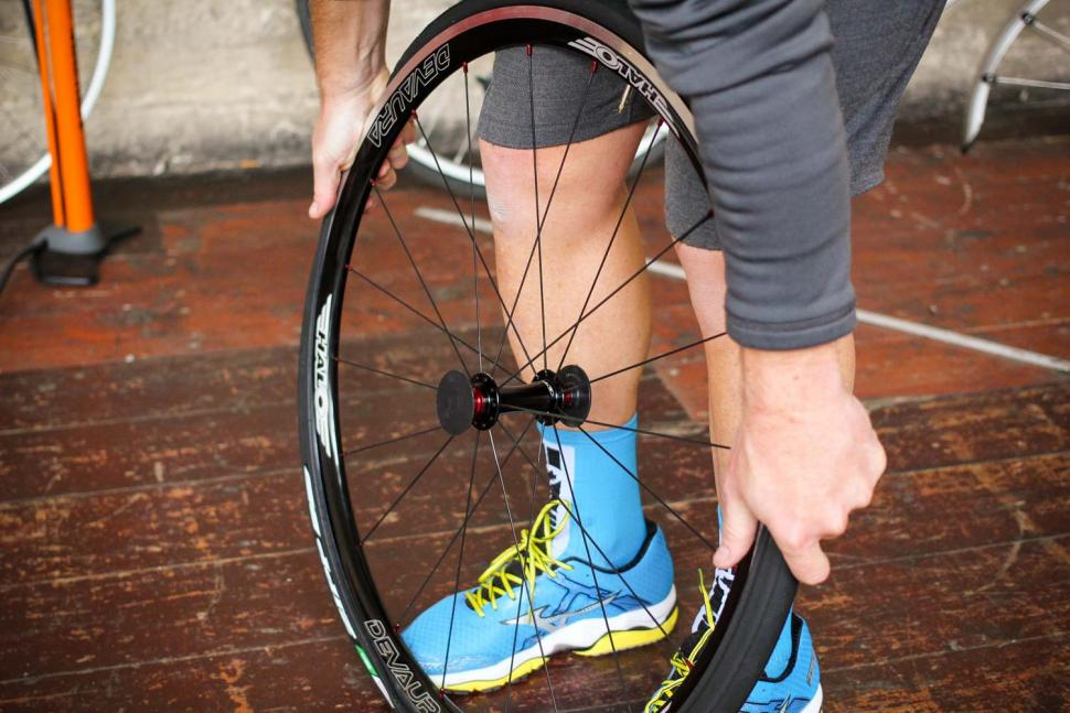 How to fit a clincher tyre step 14.jpg