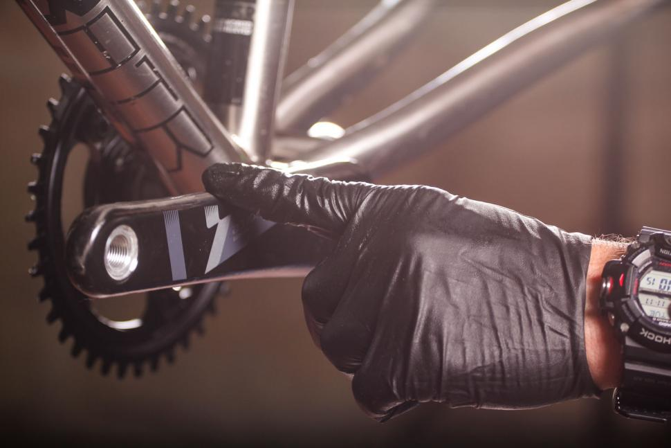 How to fit a crankset 15