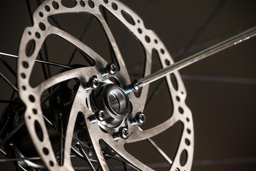 How to fit disc rotors 15