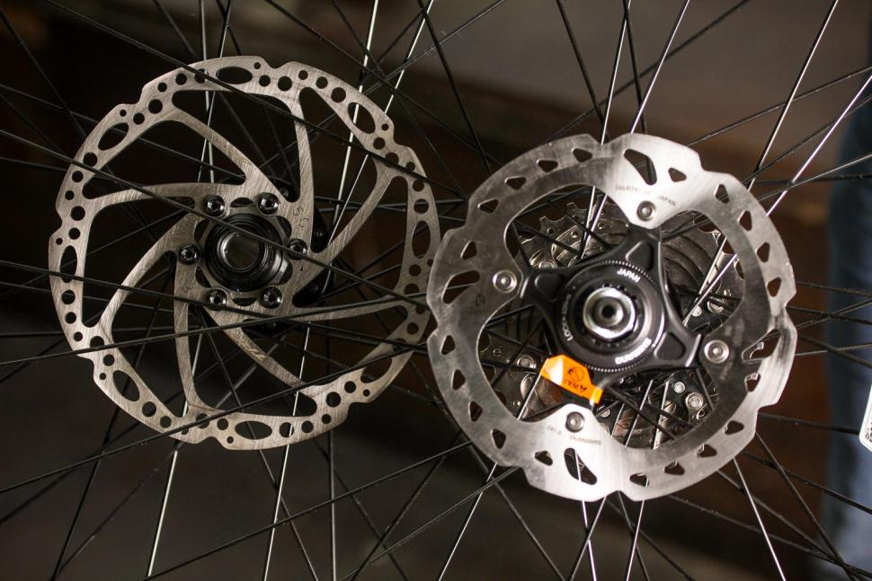 How to fit disc rotors 17