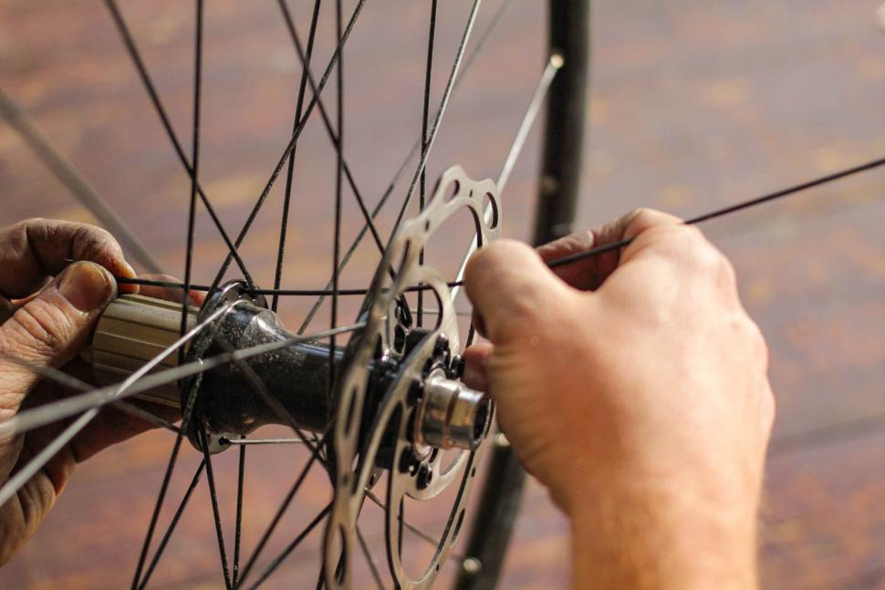 How to replace a spoke 04