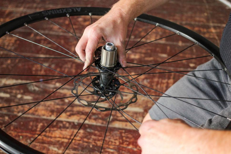 How to replace a spoke 05