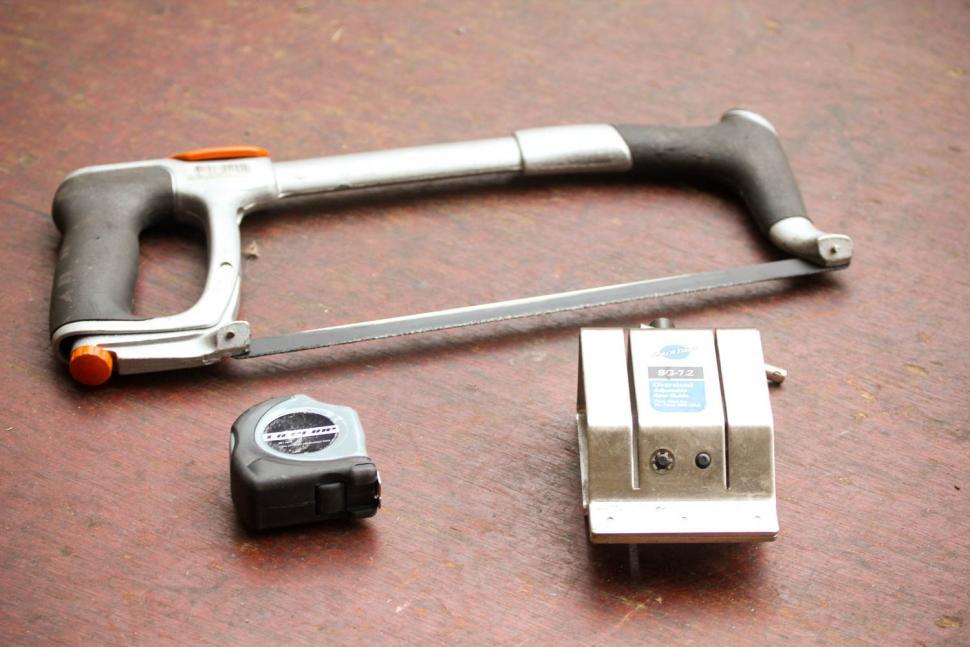 How to trim a carbon fibre steerer tube 02