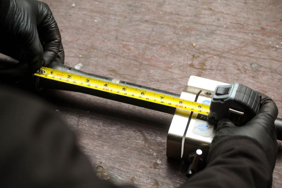 How to trim a carbon fibre steerer tube 06