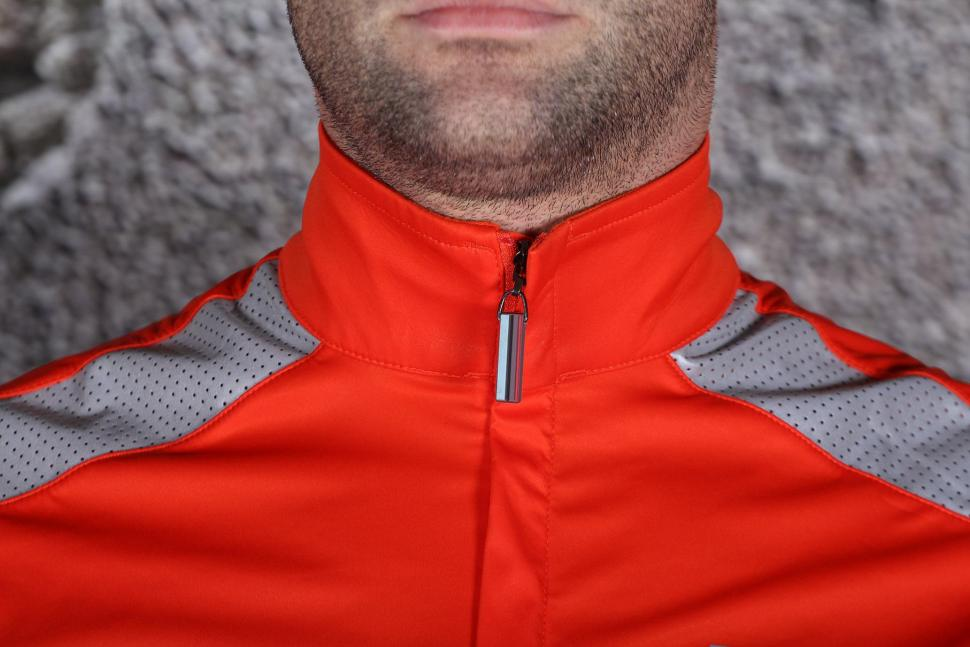 HOY Vulpine Mens Fortress Jersey and Arm Warmers - collar.jpg