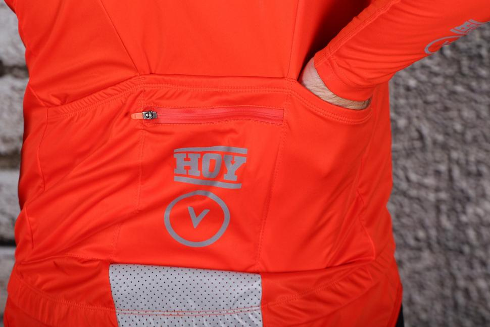 HOY Vulpine Mens Fortress Jersey and Arm Warmers - pockets.jpg