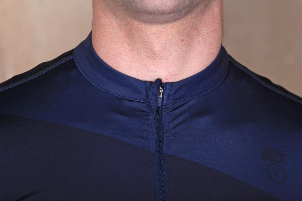 f01da2e0d Hoy-Vulpine Mens Senko Jersey - collar.jpg