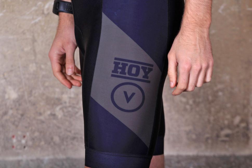 Hoy-Vulpine senko bib shorts - leg detail.jpg
