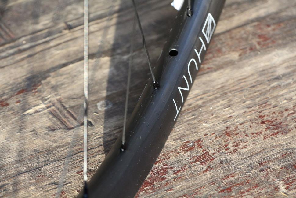 Hunt 30 Carbon Gravel Disc Wheelset - rim detail 2.jpg