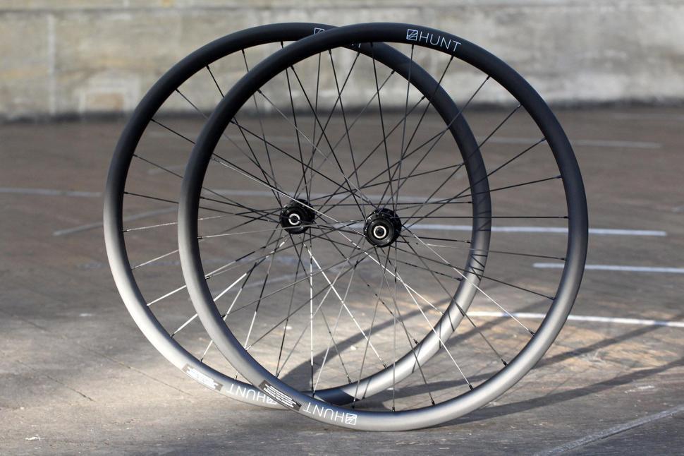 Hunt 30 Carbon Gravel Disc Wheelset - set.jpg