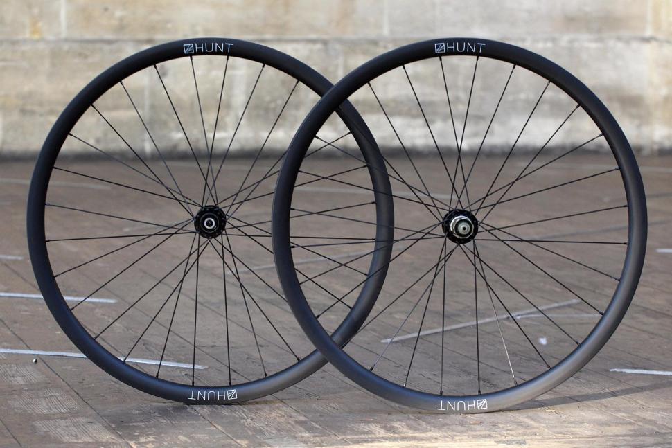 ac01e354830 Review  Hunt 30Carbon Gravel Disc Wheelset