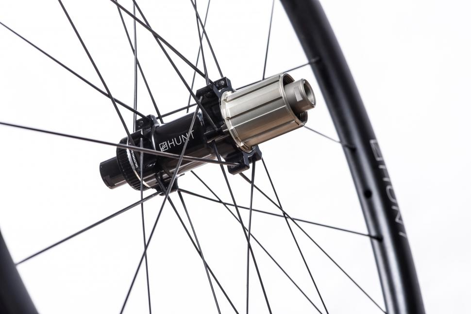 HUNT-34-Aero-Wide-Disc-Rear-Hub.jpg
