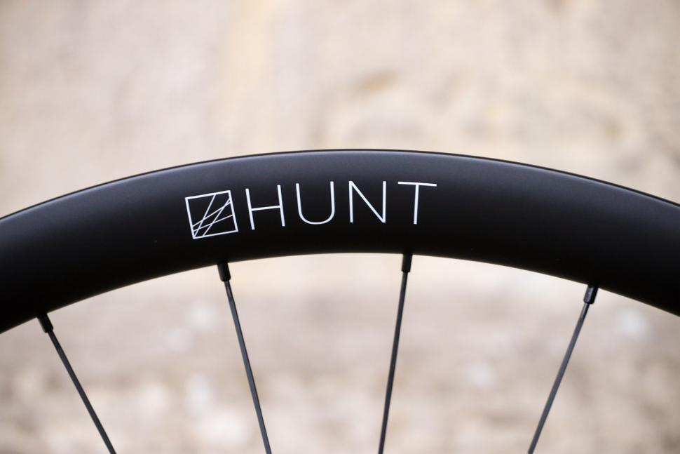 Hunt 35 Carbon Gravel Disc X-Wide - rim.jpg