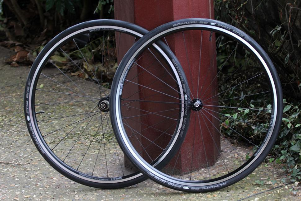 Hunt 4 Season Dura Road Wheelset.jpg