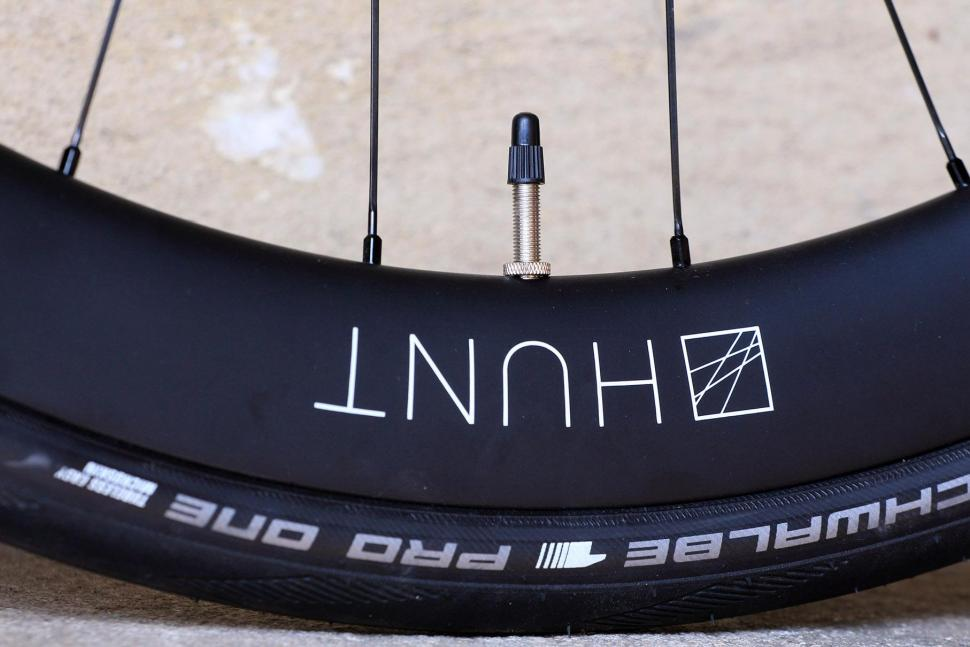 HUNT 50Carbon Aero Disc - rim detail 2.jpg