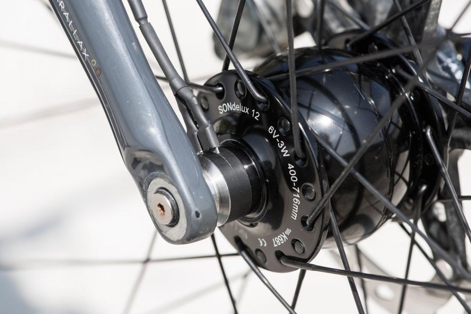 hunt 650b carbon wheels1.jpg