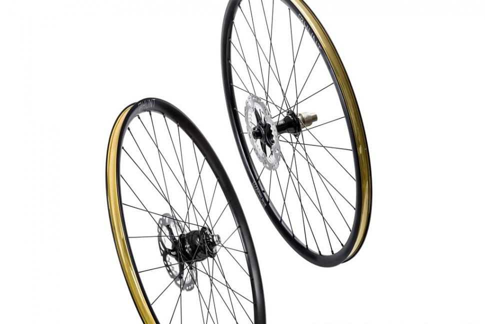 hunt 650b carbon wheels4.jpg