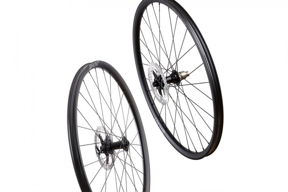 hunt 650b carbon wheels9.jpg