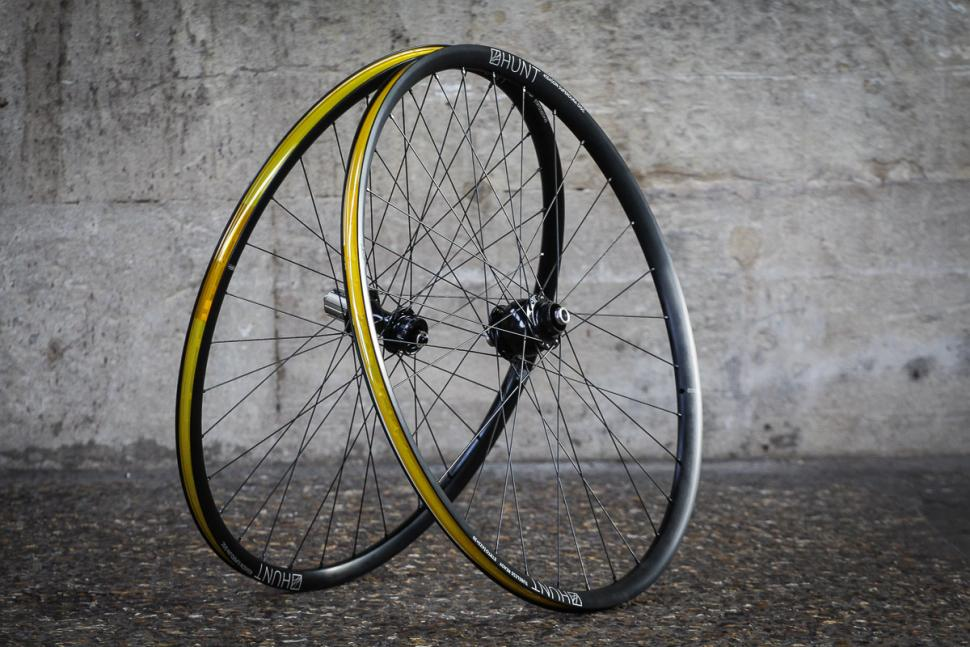 Hunt Superdura Dynamo Disc wheelset -1.jpg