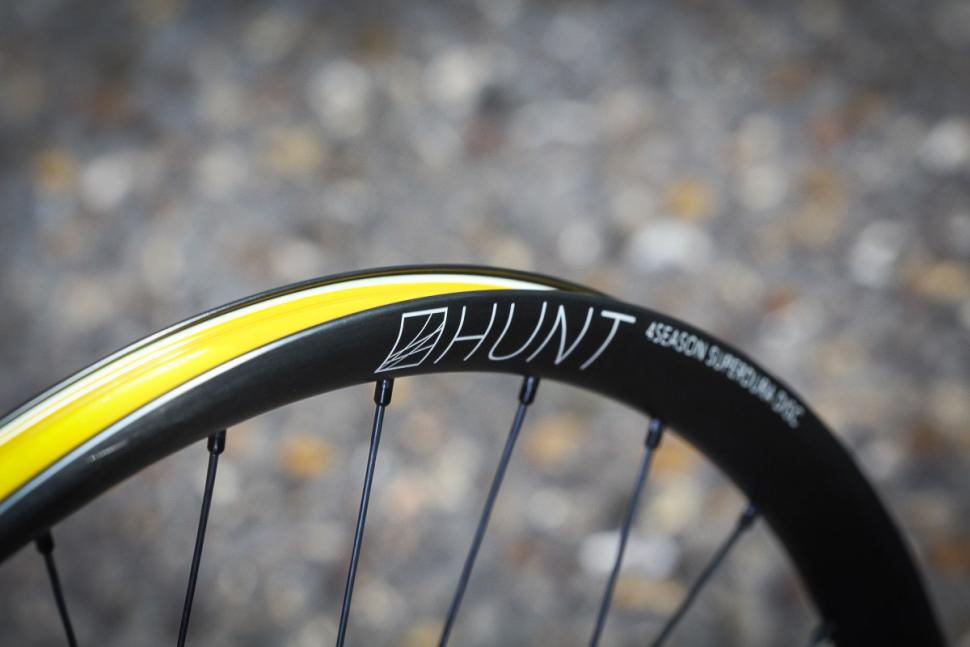 Hunt Superdura Dynamo Disc wheelset -2.jpg