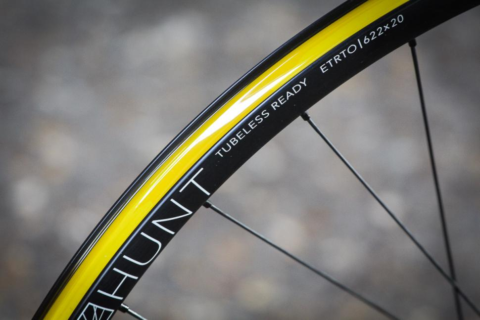 Hunt Superdura Dynamo Disc wheelset -5.jpg