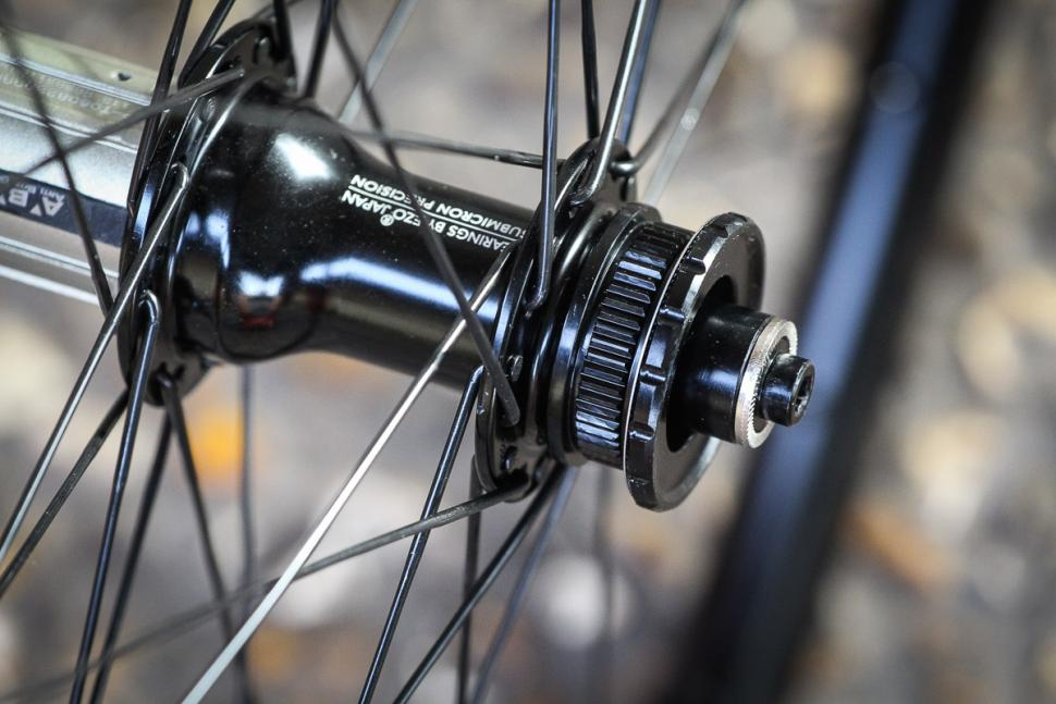 Hunt Superdura Dynamo Disc wheelset -6.jpg