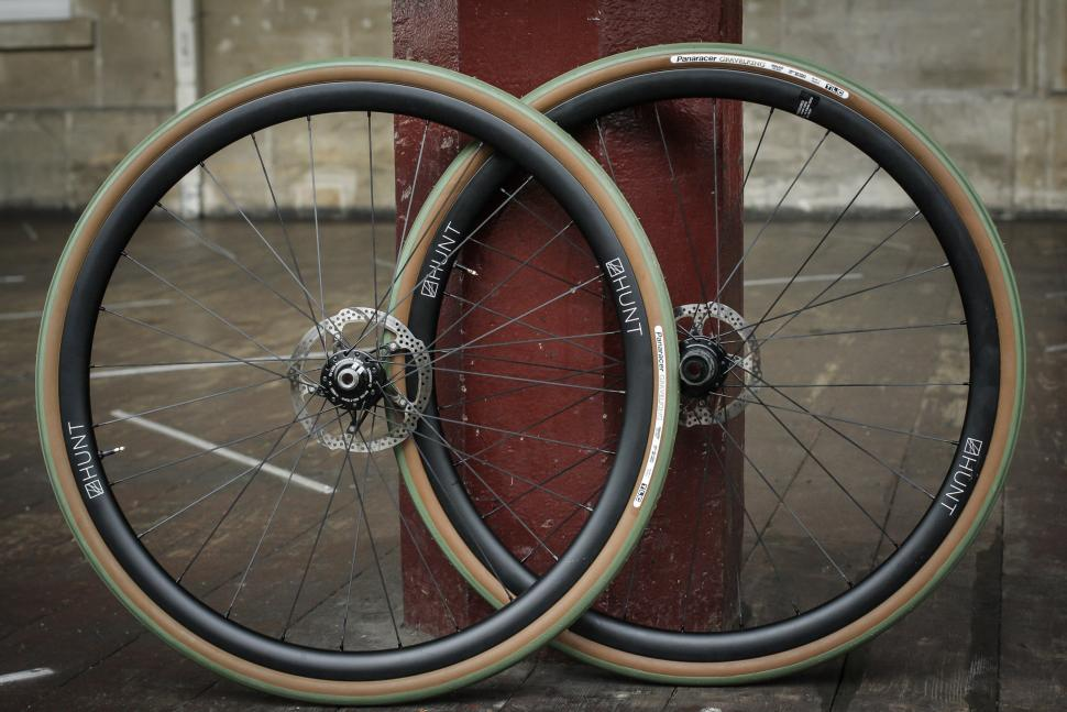 Hunt Wheels Carbon Dynamo 700c -1.jpg