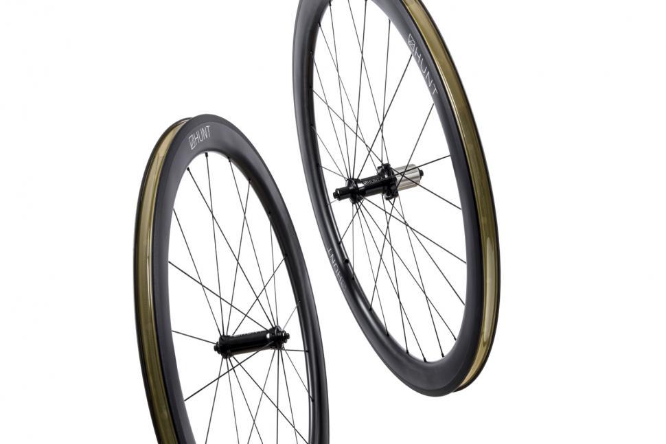 huntcompo2019-wheels1.jpg