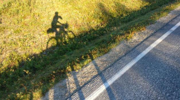 Ian Walker's shadow (via Ian Walker on Twitter).JPG