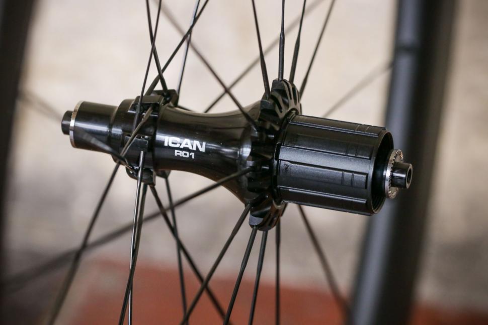 Ican Aero 50 wheelset - rear hub.jpg