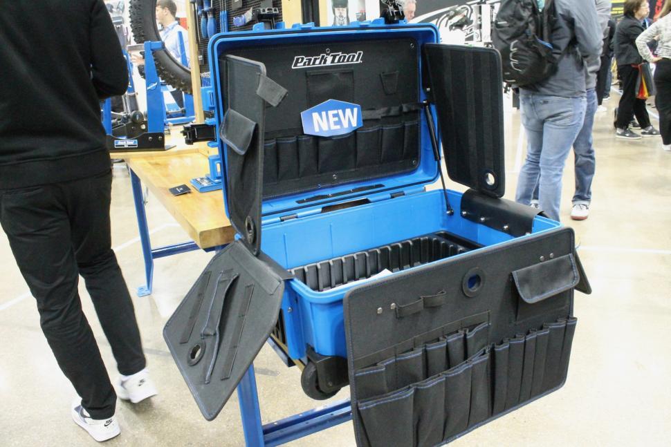 iceBike 2019 Park Tool BX-3 Rolling Big Blue Box - 1.jpg