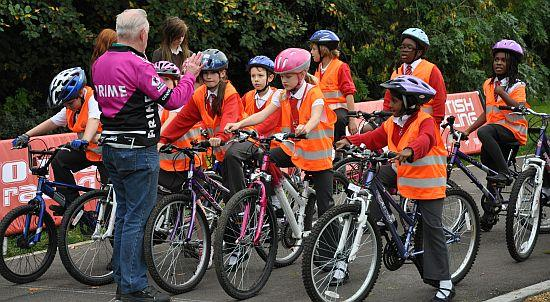 Brian Wright coaching youngsters at Field End Junior School (copyright British Cycling).jpg