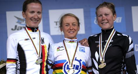 Emma Pooley in the rainbow jersey (picture credit Melbourne 2010).jpg