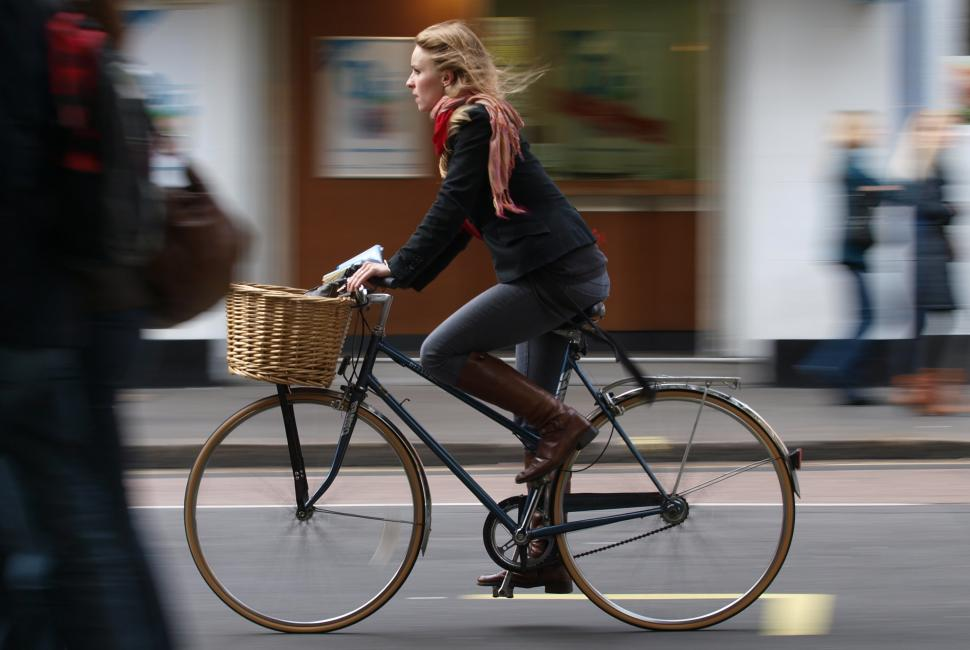 Female Cyclist, London. (copyright Simon MacMichael)JPG