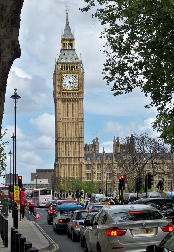 London traffic + Big Ben