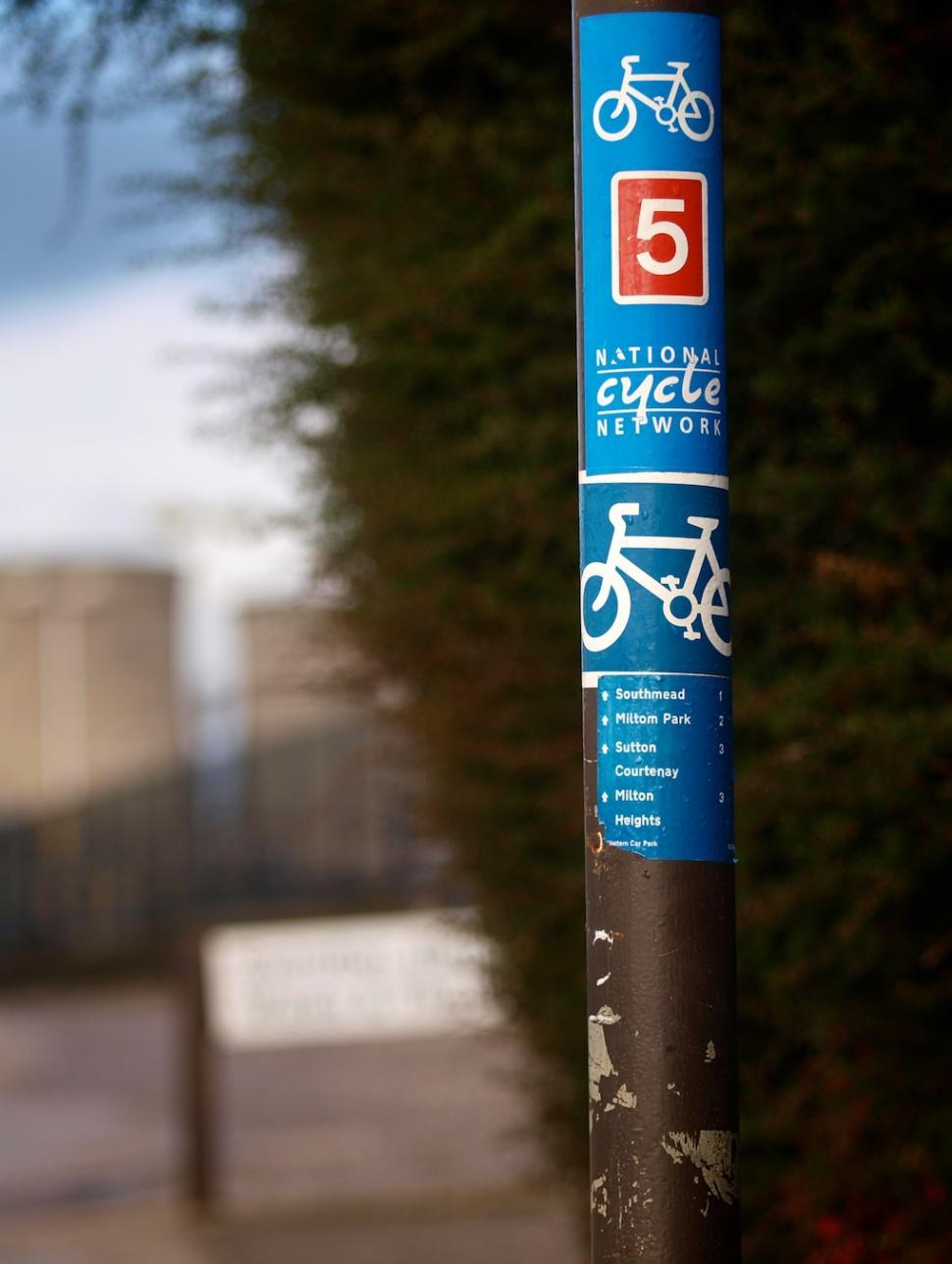 National Cycle Network sign © Simon MacMichael.jpg