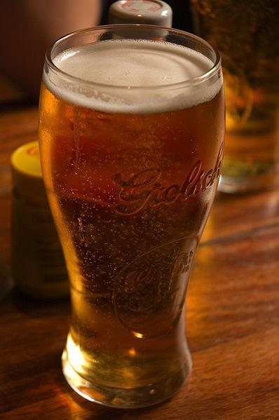 Pint of beer (picture credit Strom Carlson:Wikimedia Commons).jpg