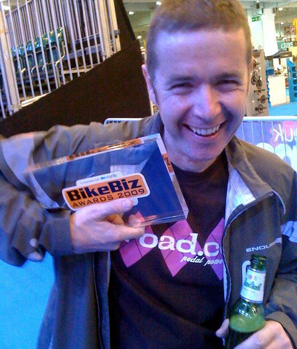 Tony with BikeBiz award
